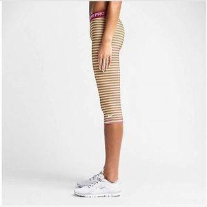 Nike Pro Dri Fit Training Capri Leggings